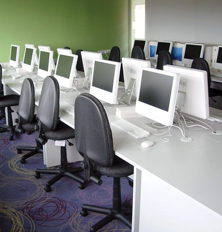 computer classroom for schools